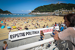August 6, 2017 - San Sebastian, Gipuzkoa - Basque Country, Spain - Family members of ETA prisoners are manifested by the Concha beach against the dispersion organized by the association Etxerat  on August 6, 2017 in San Sebastian, Spain. (Credit Image: © Jose Ignacio Unanue/NurPhoto via ZUMA Press)