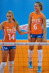 30-10-2011 VOLLEYBAL: NEDERLAND - BELGIE: ZWOLLE <br /> Nederland wint de tweede oefenwedstrijd met 3-2 van Belgie / (L-R) Laura Dijkema, Maret Grothues<br /> ©2011-WWW.FOTOHOOGENDOORN.NL