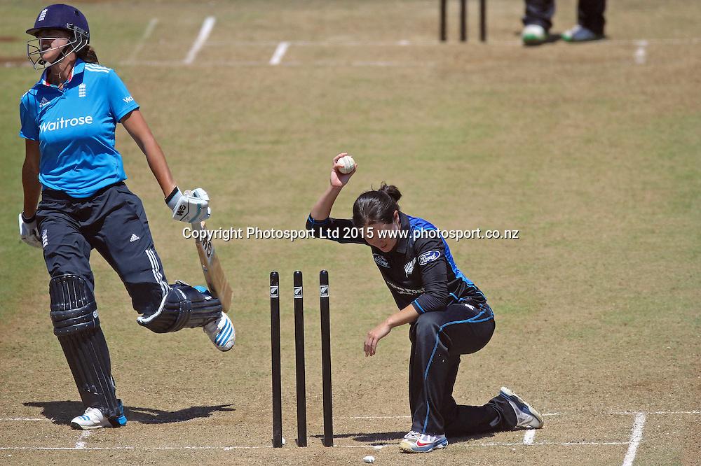 Erin Bermingham runs out Jenny Gunn. New Zealand White Ferns v England - 3rd ODI at Bay Oval, Mount Maunganui, New Zealand. 15 February 2015. Photo credit: Margot Butcher/www.photosport.co.nz