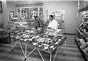 07/10/1964<br /> 10/07/1964<br /> 07 October 1964<br /> Charlie Morton's Fish Shop at Dunville Avenue, Ranelagh, Dublin. Interior view of shop display's.