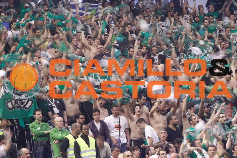 DESCRIZIONE : Barcellona Barcelona Eurolega Eurolegue 2010-11 Final Four Finale Final Maccabi Electra Tel Aviv Panathinaikos<br /> GIOCATORE : tifo fan supporter<br /> SQUADRA : Panathinaikos<br /> EVENTO : Eurolega 2010-2011<br /> GARA : Maccabi Electra Tel Aviv Panathinaikos<br /> DATA : 08/05/2011<br /> CATEGORIA : <br /> SPORT : Pallacanestro<br /> AUTORE : Agenzia Ciamillo-Castoria/P.Lazzeroni<br /> Galleria : Eurolega 2010-2011<br /> Fotonotizia : Barcellona Barcelona Eurolega Eurolegue 2010-11 Final Four Finale Final Maccabi Electra Tel Aviv Panathinaikos<br /> Predefinita :