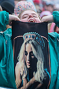 An excited fan shows off her t-shirt. Ellie Goulding plays the Pyramid Stage - The 2016 Glastonbury Festival, Worthy Farm, Glastonbury.