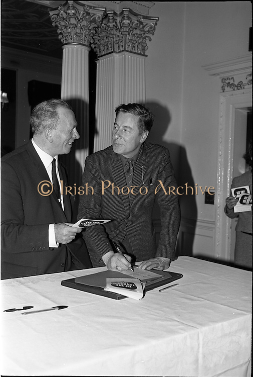 01/06/1964<br /> 06/01/1964<br /> 01 June 1964<br /> Language Organisations reception at the Shelbourne Hotel, Dublin for signing of declaration regarding the future of the Irish language. Among the leading personalities gathered to sign the National Declaration regarding the future of the Irish Language were Donncha O'Laoire and Eamonn O'Guailli, President Equity.