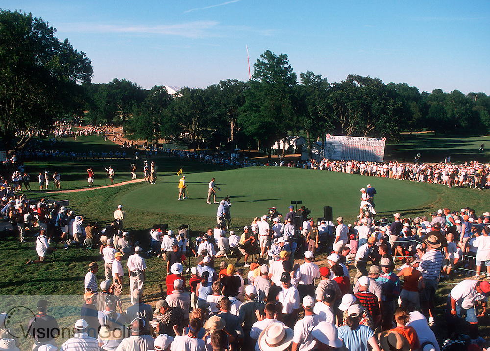18th hole and green at Southern Hills GC, Tulas, USA. US Open 2001. Goosen 18th Green <br /> <br /> Photo:Michael C.Cohen