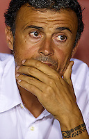 VALENCIA, SPAIN - SEPTEMBER 21:  FC Barcelona manager Luis Enrique looks on prior to the La Liga match between Levante UD and FC Barcelona at Ciutat de Valencia on September 21, 2014 in Valencia, Spain.  (Photo by Manuel Queimadelos Alonso/Getty Images)