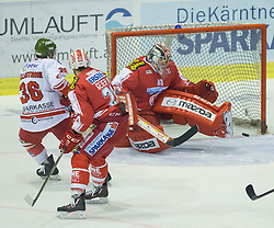 27.09.2015, Stadthalle, Klagenfurt, AUT, EBEL, EC KAC vs HCB Suedtirol, im Bild save von Pekka Tuokkola (EC KAC, #83), Pollastrone Jerry (HCB Suedtirol #36), Manuel Geier (EC KAC, #21)// during the Erste Bank Eishockey League match betweeen EC KAC and HCB Suedtirol at the City Hall in Klagenfurt, Austria on 2015/09/27. EXPA Pictures © 2015, PhotoCredit: EXPA/ Gert Steinthaler