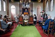 Nederland, Millingen, 7-7-2007..Vandaag, 7-7-7, worden veel huwelijken gesloten. De ambtenaar van de burgerlijke stand voltrekt hier het huwelijk tussen Johan en Sonja ..Foto: Flip Franssen/Hollandse Hoogte