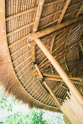 Roof edge with thatching