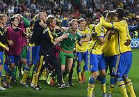 FUSSBALL: UEFA  U21-EUROPAMEISTERSCHAFT  2015  FINALE Schweden - Portugal     30.06.2015 Torwart Patrik Carlgren (Mitte, Schweden) bejubelt den Sieg ueber Portugal und jubelt somit als Europameister