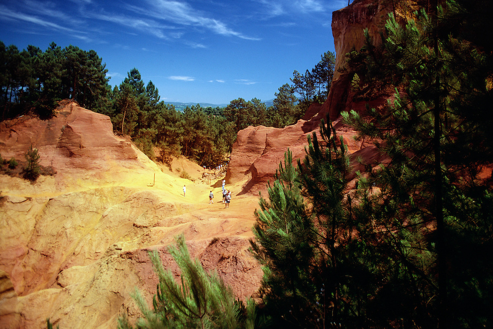 France, Provence, Red rocks of Roussillon.