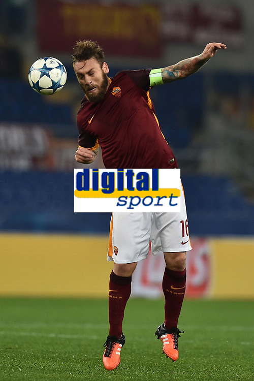 Daniele De Rossi Roma.<br /> Roma 09-12-2015 Stadio Olimpico Football Calcio Champions League 2015/2016 Group Stage - Group E AS Roma - Barcelona / AS Roma - Bate Borisov. Foto Antonietta Baldassarre / Insidefoto