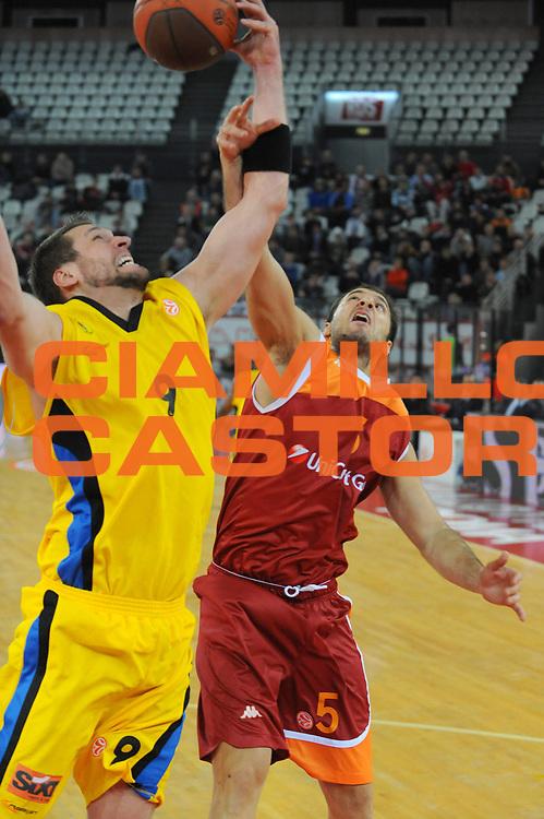 DESCRIZIONE : Roma Eurolega 2009-10 Lottomatica Virtus Roma Maroussi BC<br /> GIOCATORE : Jacopo Giachetti Jared Homan<br /> SQUADRA : Lottomatica Virtus Roma Maroussi BC<br /> EVENTO : Eurolega 2009-2010 <br /> GARA : Lottomatica Virtus Roma Maroussi BC<br /> DATA : 16/12/2009<br /> CATEGORIA : Rimbalzo<br /> SPORT : Pallacanestro <br /> AUTORE : Agenzia Ciamillo-Castoria/G.Ciamillo<br /> Galleria : Eurolega 2009-2010 <br /> Fotonotizia : Roma Eurolega 2009-2010 Lottomatica Virtus Roma Maroussi BC<br /> Predefinita :