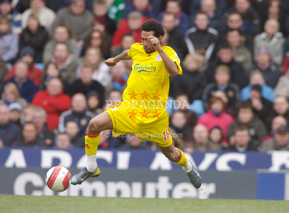 Birmingham, England - Sunday, March 3, 2007: Liverpool's Jermaine Pennant in action against Aston Villa during the Premiership match at Villa Park. (Pic by David Rawcliffe/Propaganda)