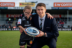 Harvey Skinner meets the Exeter Chiefs Match Mascot prior to kick off - Mandatory by-line: Ryan Hiscott/JMP - 29/12/2019 - RUGBY - Sandy Park - Exeter, England - Exeter Chiefs v Saracens - Gallagher Premiership Rugby