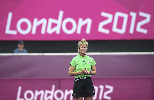 LONDON - Olympische Spelen 2012.Women match .Belgium v China .foto: RUmpire Wendy Stewart..FFU PRESS AGENCY COPYRIGHT FRANK UIJLENBROEK.