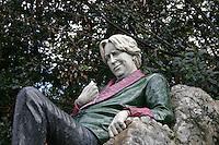 Oscar Wilde statue, Merrion Square park, Dublin, Ireland