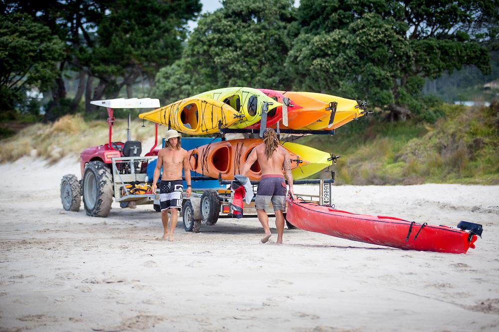 adventure tourism photography for kiwi experience hop on hop off adventure travel network coromandel peninsula waitomo rotorua tamaki tours