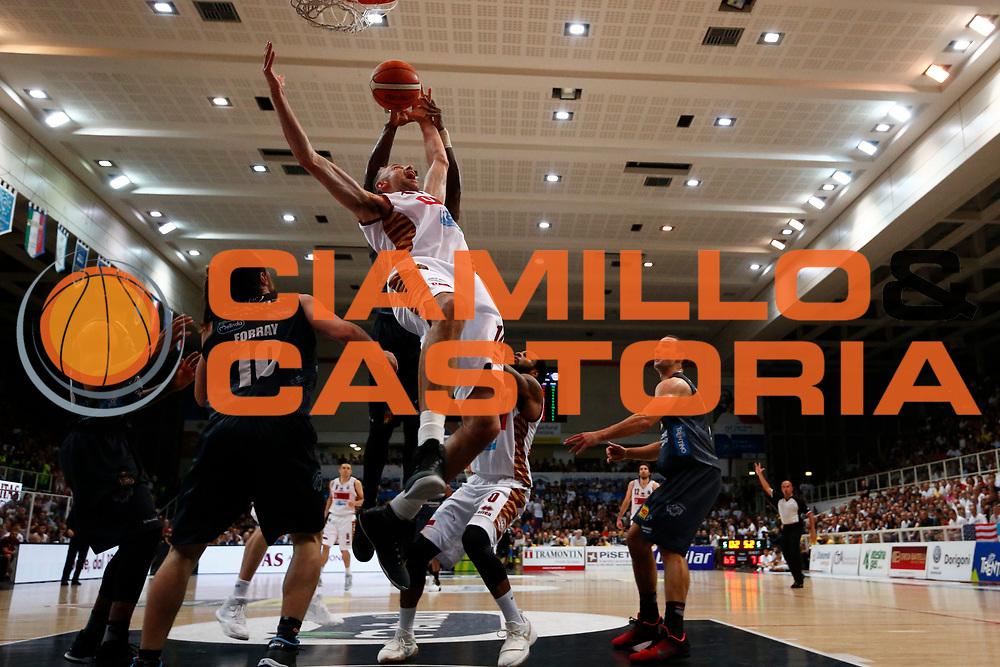 Rees Tomas<br /> Umana Reyer Venezia - Dolomiti energia Trento<br /> Lega Basket Serie A 2016/2017<br /> Play Off Finale Gara 6 <br /> Trento 20/06/2017<br /> Foto Ciamillo-Castoria/A. Gilardi