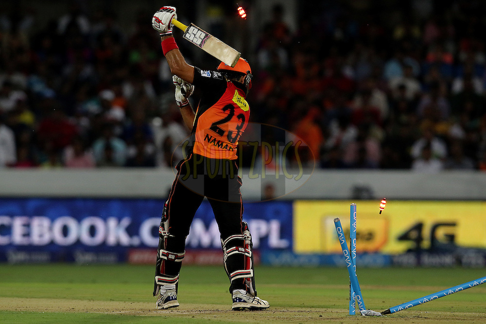 Naman Ojha of Sunrisers Hyderabad gets clean bowled during match 22 of the Vivo IPL 2016 (Indian Premier League ) between the Sunrisers Hyderabad and the Rising Pune Supergiants held at the Rajiv Gandhi Intl. Cricket Stadium, Hyderabad on the 26th April 2016<br /> <br /> Photo by Rahul Gulati / IPL/ SPORTZPICS