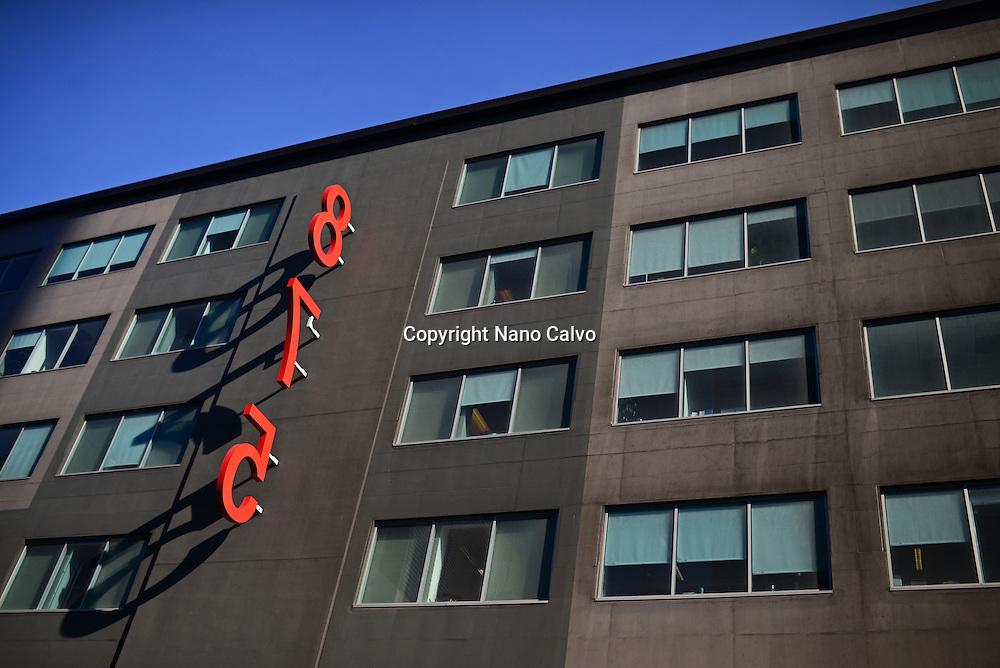 Huge 875 number on building, San Francisco