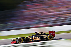 10.09.2011, Autodromo Nationale, Monza, ITA, F1, Grosser Preis von Italien, Monza, im Bild Vitaly Petrov (RUS), Lotus Renault GP// during the Formula One Championships 2011 Italian Grand Prix held at the Autodromo Nationale, Monza, near Milano, Italy, 2011-09-10, EXPA Pictures © 2011, PhotoCredit: EXPA/ J. Feichter