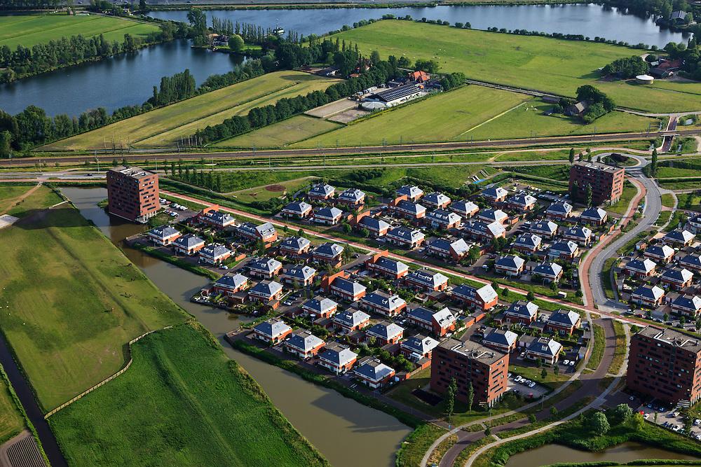 Nederland, Zuid-Holland, Den Haag, 23-05-2011; Leidschenveen.Villawijk in vinexlocatie Leidscheveen. Residential district in vinex location Leidschenveen. luchtfoto (toeslag), aerial photo (additional fee required).copyright foto/photo Siebe Swart