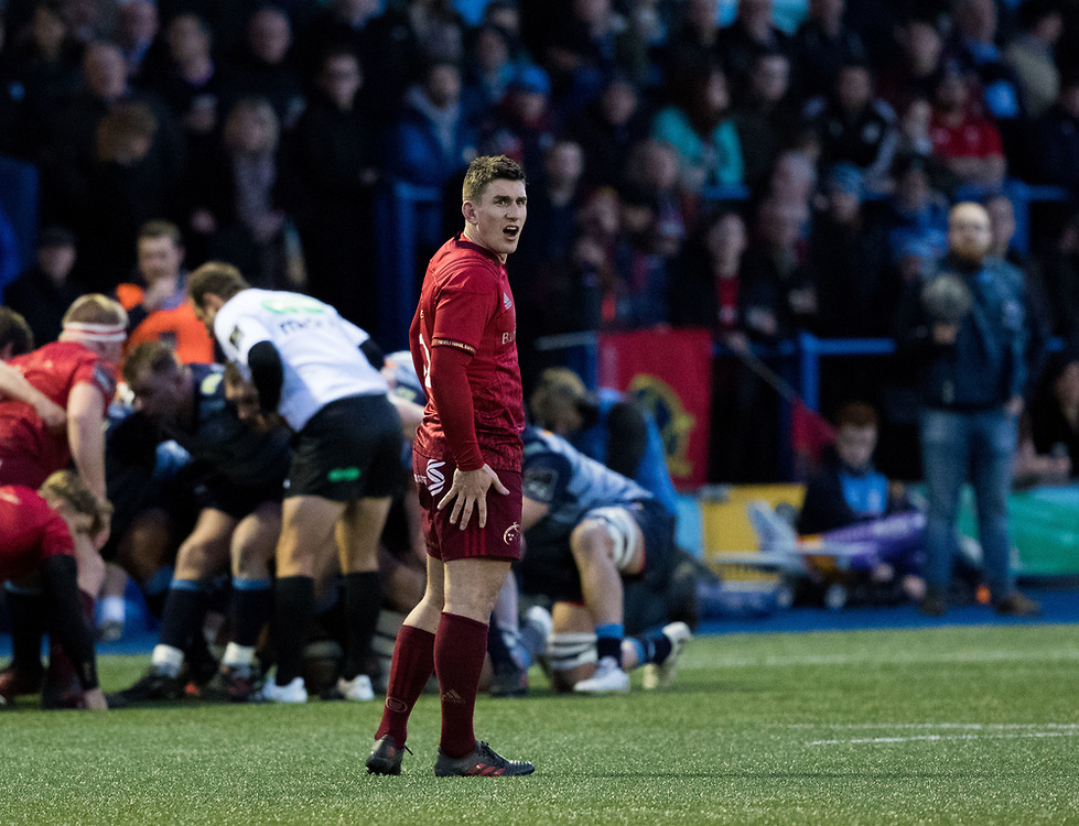 Munster's Ian Keatley shouting instructions<br /> <br /> Photographer Simon King/Replay Images<br /> <br /> Guinness PRO14 Round 15 - Cardiff Blues v Munster - Saturday 17th February 2018 - Cardiff Arms Park - Cardiff<br /> <br /> World Copyright © Replay Images . All rights reserved. info@replayimages.co.uk - http://replayimages.co.uk