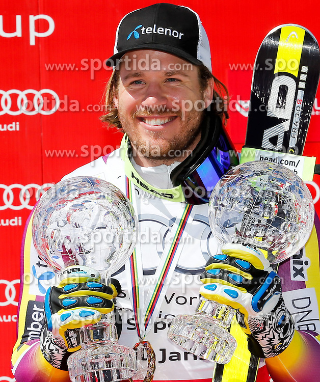 19.03.2015, Roc de Fer, Meribel, FRA, FIS Weltcup Ski Alpin, Meribel, Super G Weltcup Gesamt, Herren, Siegerehrung, im Bild Kjetil Jansrud (NOR, 1. Platz) mit den beiden Kristallkugel für den Super G- und den Abfahrtsweltcup der Herren // Kjetil Jansrud of Norway with his two crystal globe for the men's SuperG and Downhill Worldcup during the overall winner Ceremony for the men's SuperG of FIS World Cup finals at the Roc de Fer in Meribel, France on 2015/03/19. EXPA Pictures © 2015, PhotoCredit: EXPA/ Erich Spiess