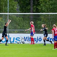 2020-07-29 | Vittsjö, Sverige: IK Uppsala spelarna jublar efter mål under matchen i OBOS Damallsvenskan mellan Vittsjö GIK och IK Uppsala på Vittsjö IP ( Foto av: Henrik Eberlund | Swe Press Photo )<br /> <br /> Nyckelord: Vittsjö, Fotboll, OBOS Damallsvenskan, Vittsjö IP, Vittsjö GIK, IK Uppsala, HEVU200729