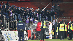 24.02.2018, BSFZ Arena, Maria Enzersdorf, AUT, 1. FBL, FC Flyeralarm Admira vs FK Austria Wien, 24. Runde, im Bild Florian Klein (FK Austria Wien) beim Austria Fansektor // during Austrian Bundesliga Football 24nd round match between FC Flyeralarm Admira vs FK Austria Wien at the BSFZ Arena, Maria Enzersdorf, Austria on 2018/02/24. EXPA Pictures © 2018, PhotoCredit: EXPA/ Thomas Haumer