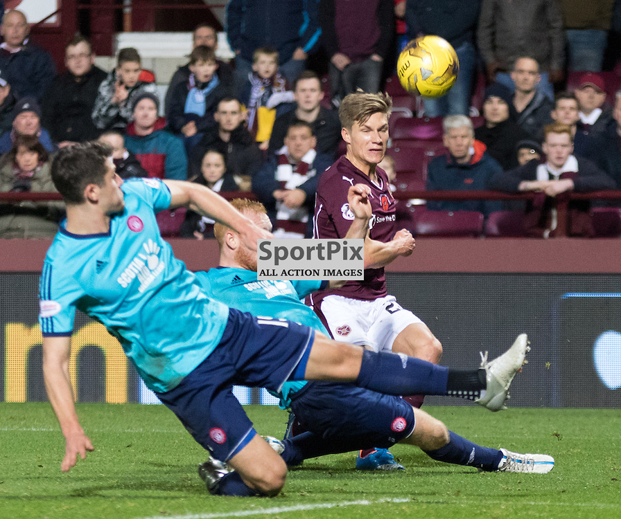 Heart of Midlothian's Gavin Reilly gets a shot in on goal in the closing moments of the Hearts vs Hamilton Academical Scottish Premiership 7th November 2015......(c) MARK INGRAM | SportPix.org.uk