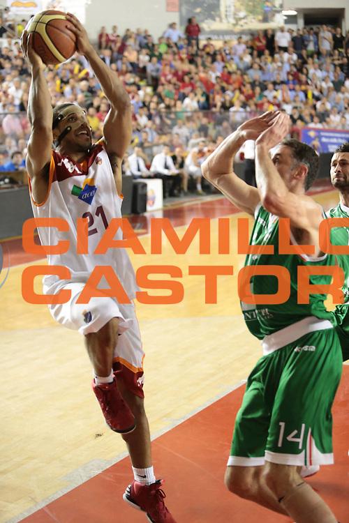 DESCRIZIONE : Roma Lega A 2012-2013 Acea Roma Montepaschi Siena finale gara 1<br /> GIOCATORE : Jordan Taylor<br /> CATEGORIA : tiro<br /> SQUADRA : Acea Roma<br /> EVENTO : Campionato Lega A 2012-2013 playoff finale gara 1<br /> GARA : Acea Roma Montepaschi Siena<br /> DATA : 11/06/2013<br /> SPORT : Pallacanestro <br /> AUTORE : Agenzia Ciamillo-Castoria/M.Simoni<br /> Galleria : Lega Basket A 2012-2013  <br /> Fotonotizia : Roma Lega A 2012-2013 Acea Roma Montepaschi Siena playoff finale gara 1<br /> Predefinita :