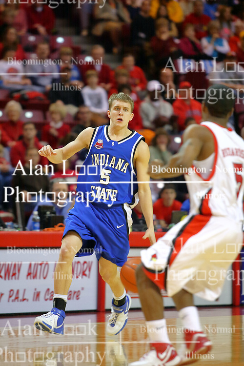06 January 2007: Cole Holmstrom looks for a way past Keith &quot;Boo&quot; Richardson. The Sycamores of Indiana State University topped the Redbirds home 54 - 50 inside Redbird Arena in Normal Illinois on the campus of Illinois State University.<br />