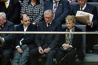 22 NOV 2005, BERLIN/GERMANY:<br /> Marcus Kasner, Horst Kasner, und Herlind Kasner, (v.L.n.R.), Bruder, Vater und Mutter von Angela Merkel, auf der Besuchertribuehne, waehrend der Bundestagssitzung mit Wahl von Merkel zur Bundeskanzlerin, Plenum, Deutscher Bundestag<br /> IMAGE: 20051122-01-011<br /> KEYWORDS: Kanzlerwahl, Kanzlerinwahl, Eltern, Familie