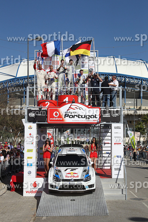 13.04.2013, Loule, POR, FIA WRC, Rallye Portugal, Podium, im Bild Dr. Ulrich Hackenberg nimmt den Pokal fuer das Team Volkswagen Motorsport entgegen, Jubel, Freude, Emotionen, celebrate on Podium // after the FIA WRC Rallye of Portugal, Loule, Portugal on 2013/04/13. EXPA Pictures © 2013, PhotoCredit: EXPA/ Eibner/ Alexander Neis..***** ATTENTION - OUT OF GER *****