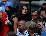 Wimbledon Championships 2011, AELTC,London,.ITF Grand Slam Tennis Tournament . Pippa Middleton unter den Zuschauern in der Menschenmenge,Querformat,