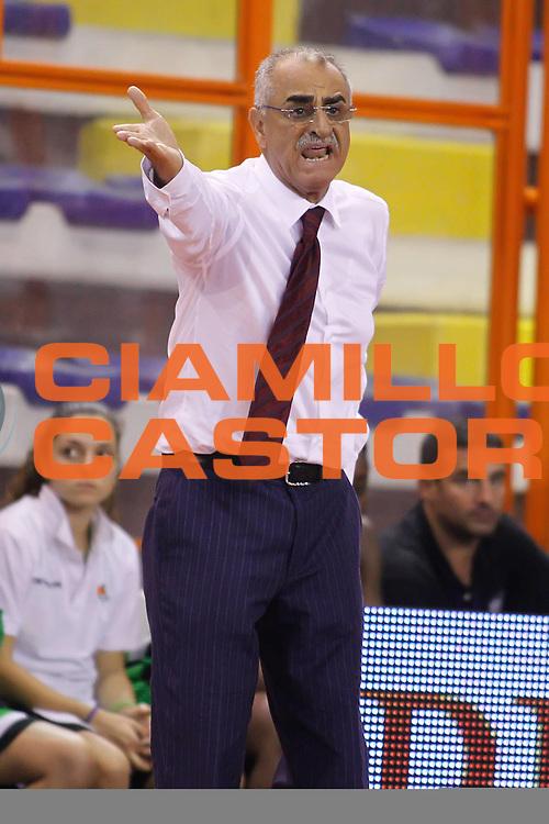 DESCRIZIONE : Pescara Lega A1 Femminile 2012-13 Opening Day 2012 CUS Chieti Trogylos Priolo<br /> GIOCATORE : Santino Coppa<br /> SQUADRA : Trogylos Priolo<br /> EVENTO : Campionato Lega A1 Femminile 2012-2013 <br /> GARA : CUS Chieti Trogylos Priolo<br /> DATA : 13/10/2012<br /> CATEGORIA : coach<br /> SPORT : Pallacanestro <br /> AUTORE : Agenzia Ciamillo-Castoria/ElioCastoria<br /> Galleria : Lega Basket Femminile 2012-2013 <br /> Fotonotizia : Pescara Lega A1 Femminile 2012-13 Opening Day 2012 CUS Chieti Trogylos Priolo<br /> Predefinita :