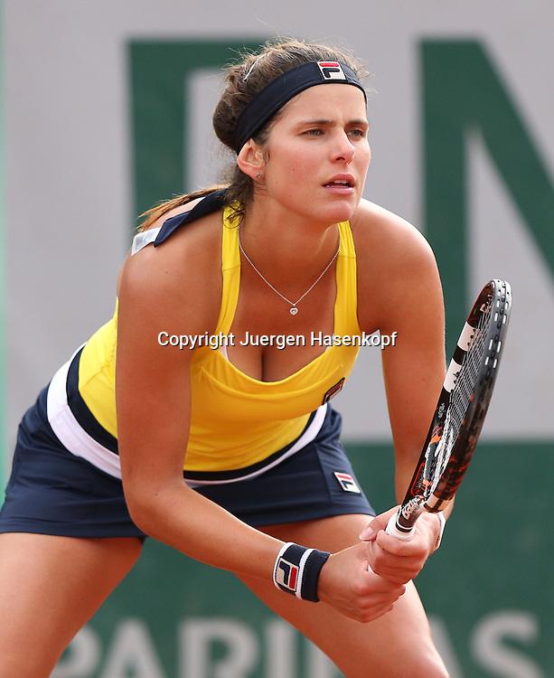 French Open 2014, Roland Garros,Paris,ITF Grand Slam Tennis Tournament,<br /> Julia Goerges (GER), Einzelbild,Halbkoerper,Hochformat,