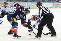 01.03.2019, O2 World, Berlin, GER, DEL, Eisbaeren Berlin vs Koelner Haie, 52. Runde, im Bild v.l. James Sheppard - Eisbaeren, Kai Hospelt #18 - Haie // during the DEL 52th round match between Eisbaeren Berlin and Koelner Haie at the O2 World in Berlin, Germany on 2019/03/01. EXPA Pictures © 2019, PhotoCredit: EXPA/ Eibner-Pressefoto/ Uwe Koch<br /> <br /> *****ATTENTION - OUT of GER*****