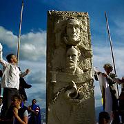 VENEZUELAN POLITICS / POLITICA EN VENEZUELA<br /> Monument to Simon Bolivar and Jose Marti, Puerta de Caracas, Caracas - Venezuela 2001 / Monumento a Simon Bolivar y Jose Marti, Puerta de Caracas, Caracas - Venezuela 2001<br /> (Copyright © Aaron Sosa)
