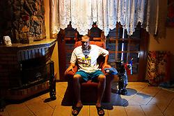 O ex-soldado do Exército Tailon Rupenthal, 22, voltou para o Brasil completamente perturbado, com a síndrome do pânico. Acordava gritando no meio da noite e agredia fisicamente os amigos. Seu tratamento inclui remédios para contornar a depressão depois de regressar do Haiti. Atualmente ele mora sozinho e não frequenta lugares com muita gente. FOTO: Jefferson Bernardes/Preview.com