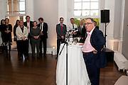 SIMON MORDANT; , MCA Sydney cocktails. Brandon rooms. ICA. London. 11 October 2011. <br /> <br />  , -DO NOT ARCHIVE-© Copyright Photograph by Dafydd Jones. 248 Clapham Rd. London SW9 0PZ. Tel 0207 820 0771. www.dafjones.com.