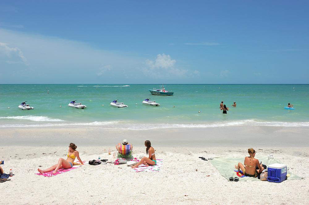 White sand Beach, Bonita Beach near Fort Myers, Gulf of Mexico, Florida, USA