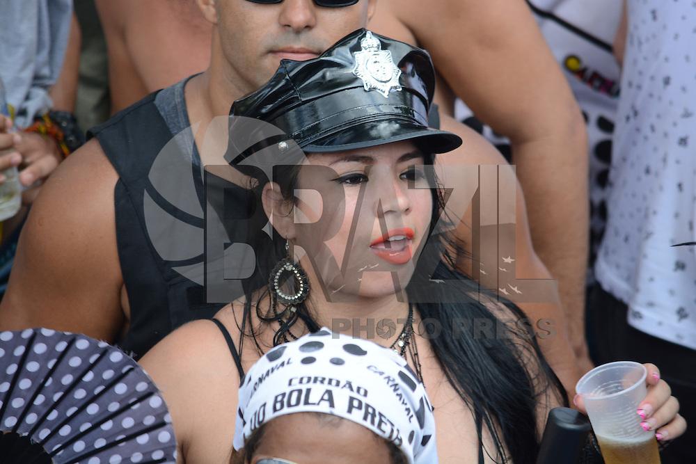 RIO DE JANEIRO, RJ, 06.02.2016 - CARNAVAL-RJ - Desfile do bloco de carnaval Cordão do Bola Preta, no Rio de Janeiro, neste sábado. (Foto: Jorge Hely/Brazil Photo Press)