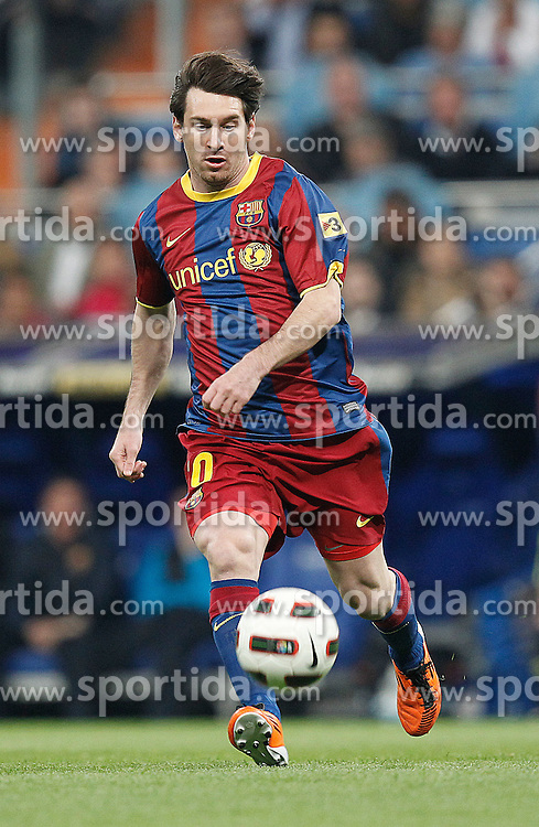16.04.2011, Estadio Santiago Bernabéu, ESP, La Liga, Real Madrid vs FC Barcelona, im Bild FC Barcelona's Lionel Messi during la Liga match on April 16th 2011, EXPA Pictures © 2010, PhotoCredit: EXPA/ Alterphotos/ ALFAQUI/ Cesar Cebolla