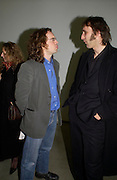 Jamie Byng and Will Self. Chemical Life Support opening, White Cube. 3 March 2005. ONE TIME USE ONLY - DO NOT ARCHIVE  © Copyright Photograph by Dafydd Jones 66 Stockwell Park Rd. London SW9 0DA Tel 020 7733 0108 www.dafjones.com