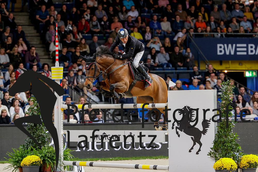 DREHER Hans-Dieter (GER), Berlinda<br /> Stuttgart - German Masters 2019<br /> MERCEDES GERMAN MASTER<br /> Int. Springprüfung mit Stechen<br /> CSI5*-W<br /> 15. November 2019<br /> © www.sportfotos-lafrentz.de/Stefan Lafrentz