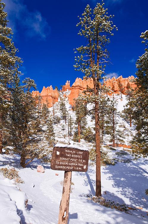 Rock formations and trail sign along the Navajo Loop, Bryce Canyon National Park, Utah
