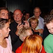 Premiere Stille Nacht, Ted Lenssen, Rene Soutendijk fotografeert dochter Caro Lenssen