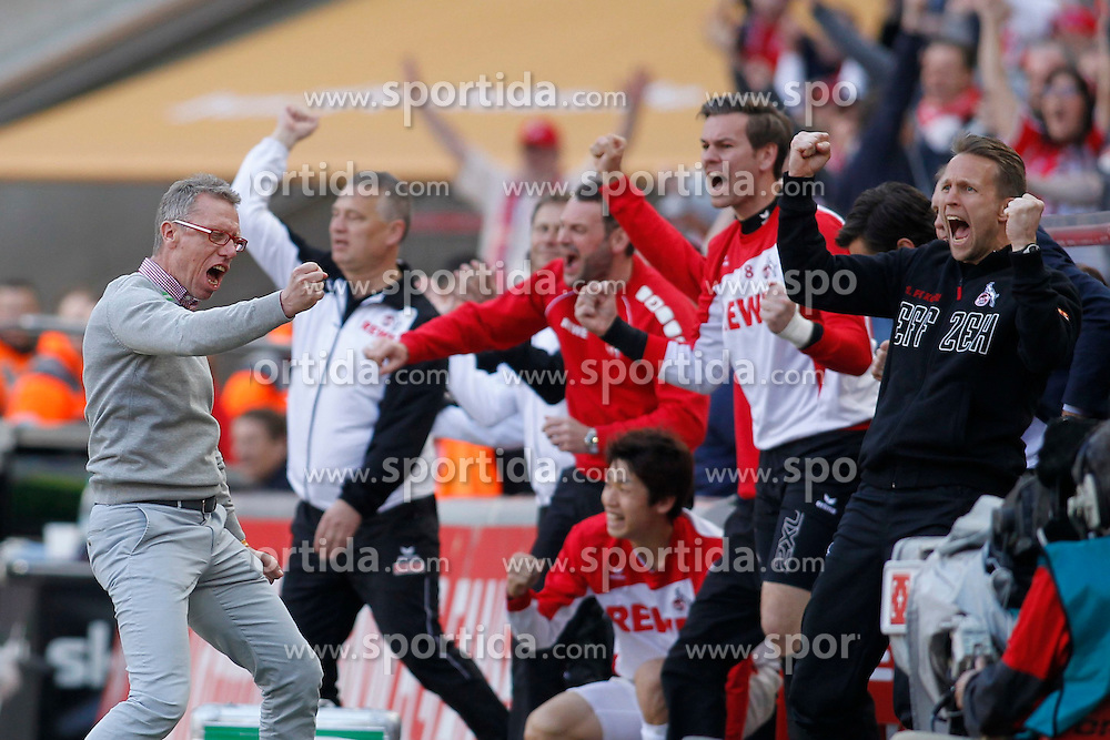 12.04.2015, RheinEnergieStadion, K&ouml;ln, GER, 1. FBL, 1. FC K&ouml;ln vs TSG 1899 Hoffenheim, 28. Runde, im Bild Trainer Peter Stoeger (1. FC Koeln) und die Ersatzbank um Torwarttrainer Alexander Bade (1. FC Koeln) jubeln beim Ab&cedil;fiff ueber den Sieg // during the German Bundesliga 28th round match between 1. FC Cologne and TSG 1899 Hoffenheim at the RheinEnergieStadion in K&ouml;ln, Germany on 2015/04/12. EXPA Pictures &copy; 2015, PhotoCredit: EXPA/ Eibner-Pressefoto/ Sch&uuml;ler<br /> <br /> *****ATTENTION - OUT of GER*****